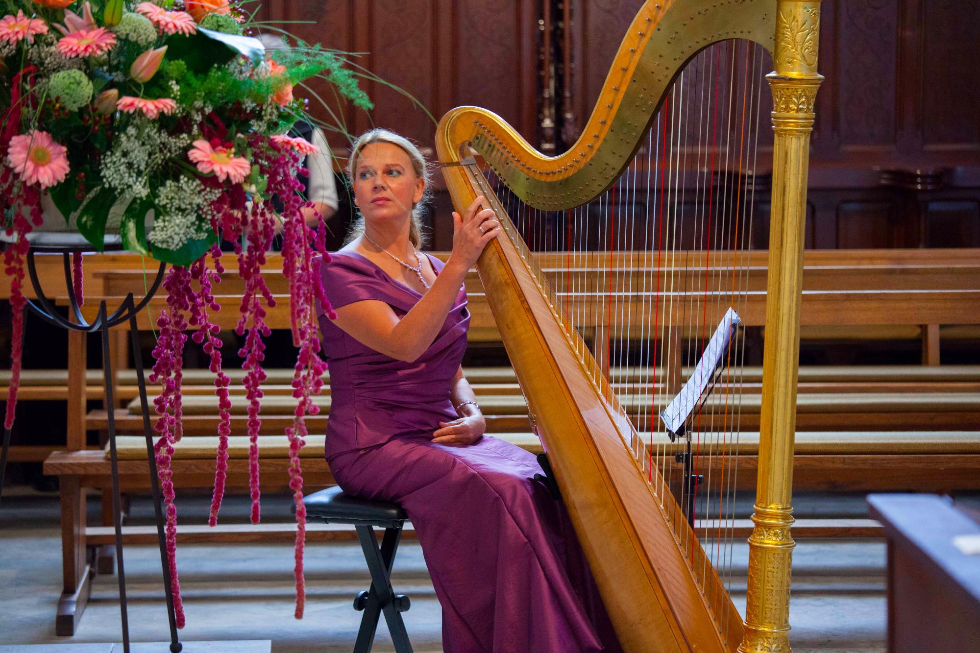 Harfe in Kirche - Solokonzert