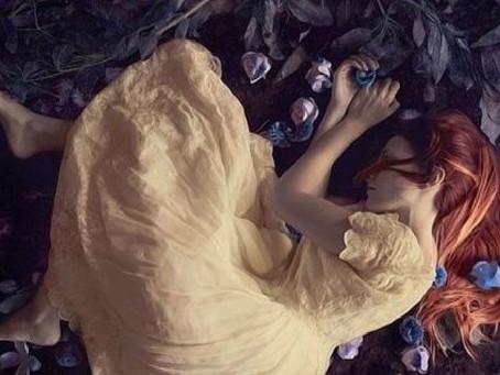 Ci sono amori che vivono solo nel tuo cuore, non nella tua vita.