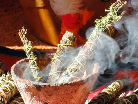 Il Fumo che Brucia: lo SMUDGE e il suo potere spirituale