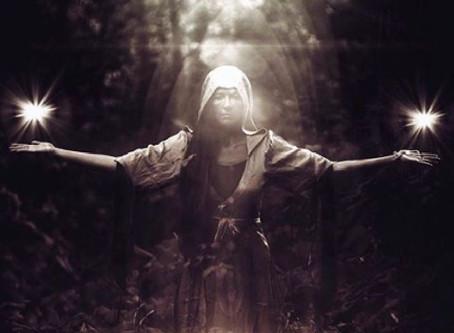 Luna Piena in Vergine: l'Archetipo dell'Infermiera