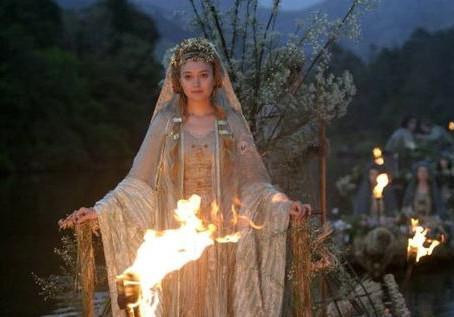 Onore alla Sacerdotessa Vesta: 1° Giorno