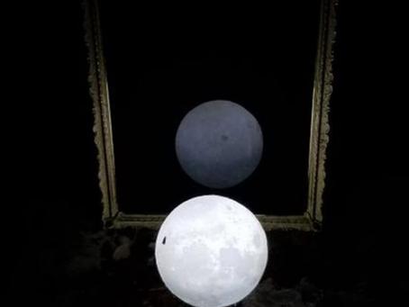 Intenzioni potenti di una strega per l'Eclisse Lunare