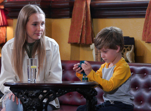 Frankie takes a shine to Ollie in EastEnders
