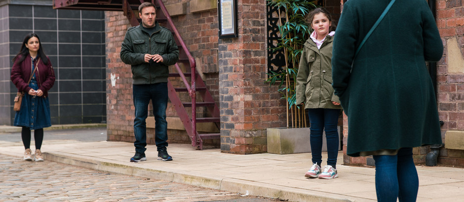 Fiz fights back the tears in Corrie as Tyrone plays happy families with Alina