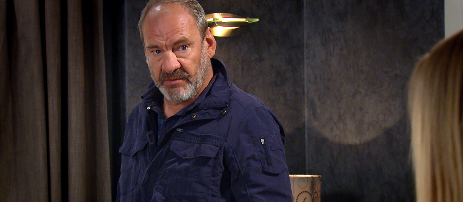 Jimmy leans on Mandy in Emmerdale as marriage falls apart