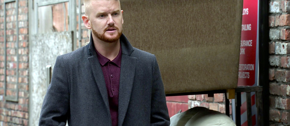 Ray's latest offer forces Gary to up the stakes in Corrie