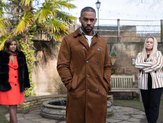 Felix forced to choose between Grace and Martine in Hollyoaks
