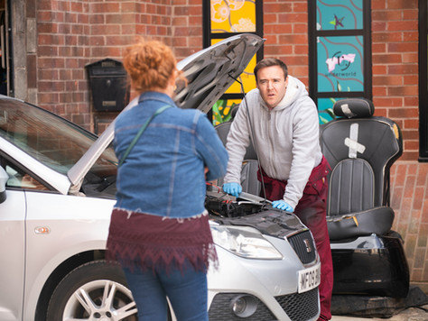 Fiz confronts Tyrone after huge next step with Alina in Corrie