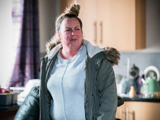 Karen considers becoming surrogate in EastEnders as her financial situation worsens
