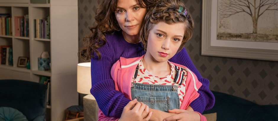 I TALK TO Anna Friel