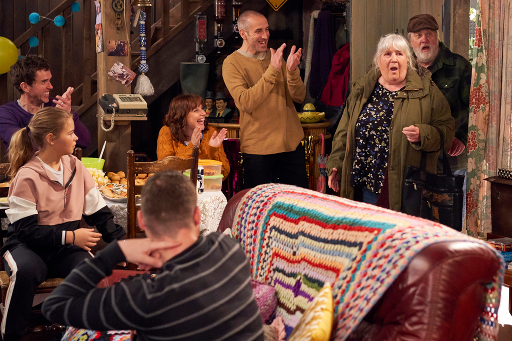 EMMERDALE SPOILERS Monday 17th - Friday 23rd June
