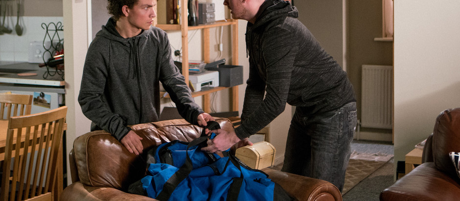 CORRIE SPOILERS Simon falls foul of the law