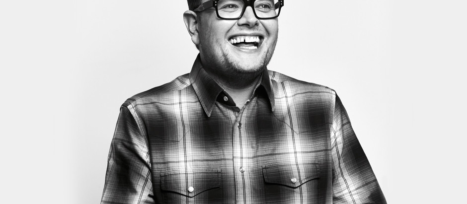 Alan Carr announces his first tour in 4 years