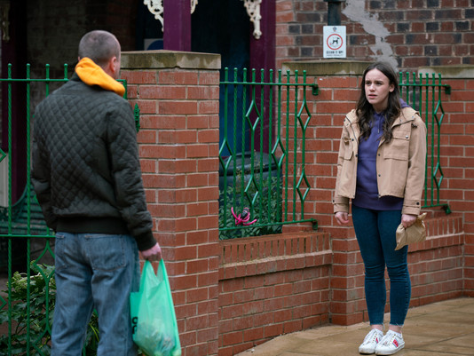Kirk causes Faye to end relationship with Craig in Corrie as her fate is sealed