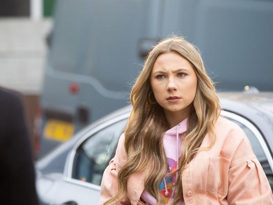 Warren suspects Fergus of being Peri's secret admirer in Hollyoaks