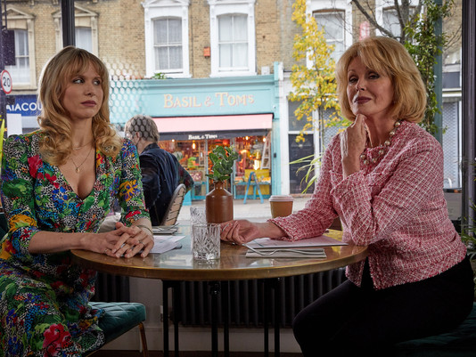 Joanna Lumley to guest star in Motherland