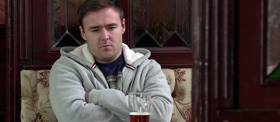 Tyrone agrees to move back in with Fiz in Corrie, but it's Alina he really loves