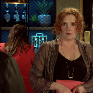 Fiz angers Alina and Tyrone in Corrie as she gets back into dating