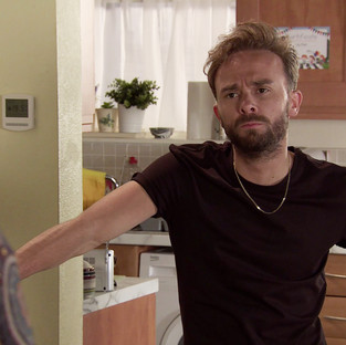 David puts family first in Corrie as he teaches Daniel a lesson