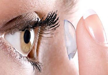 ¿Por qué se ve mejor con lentillas?