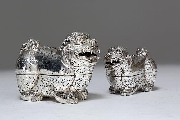 Silver Box - Foo Dog