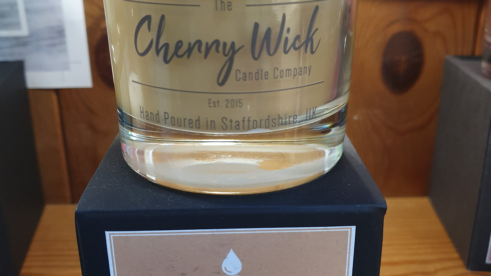 Cherry Wick Candle Tobacco and Oak 30cl