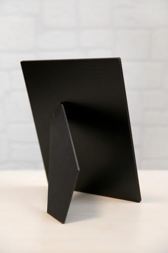 Черен гръб, с предварително монтиран статив
