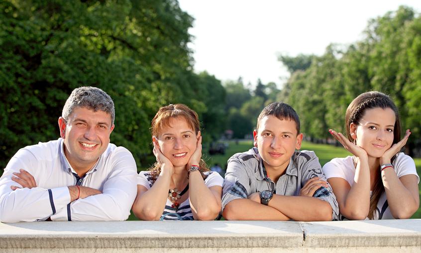Фотосесия на цялото семейство