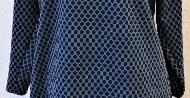 Blau gepunktet