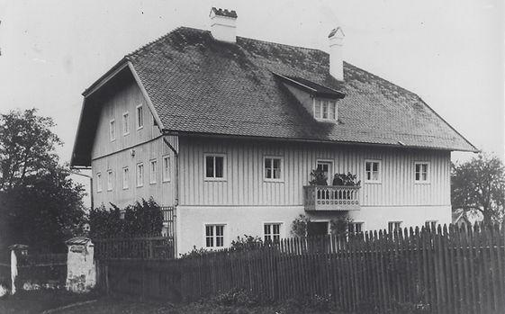 Pfarrhof 1924.jpg