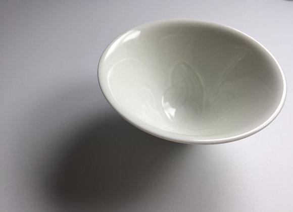 定窯刻花斗笠茶盞 Ding Yao Tea Cup