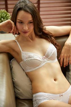 Jasmine White Freya Set