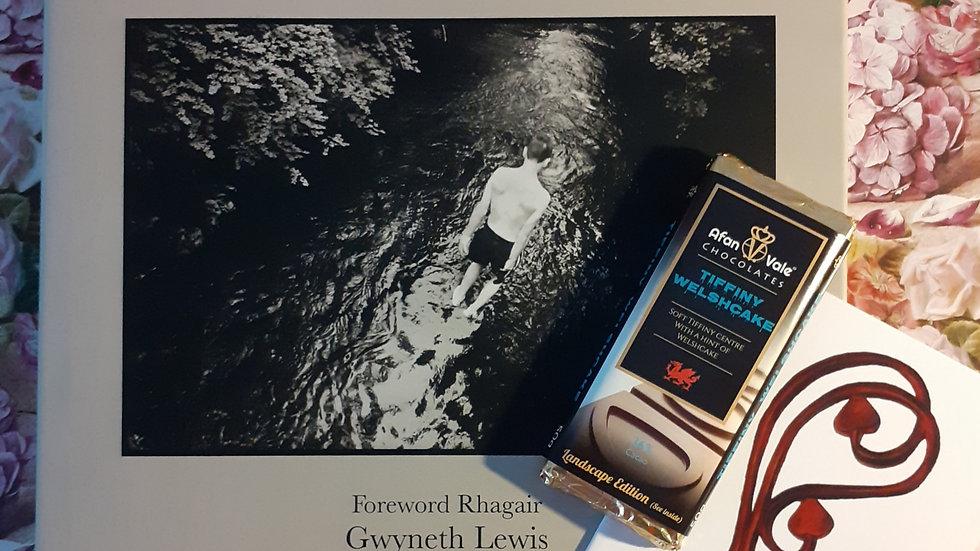 Return Yn Ol: Rhondri Jones