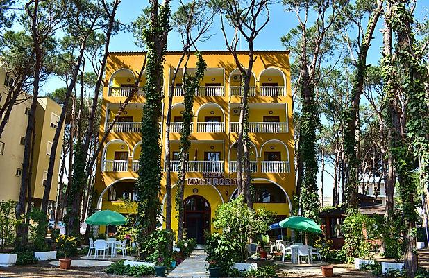 HOTEL MALI I ROBIT.jpg