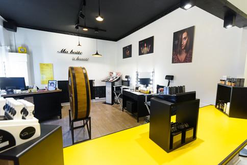 Le bar jaune