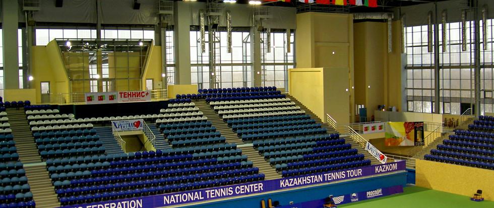 Тенисный корт Астана.JPG