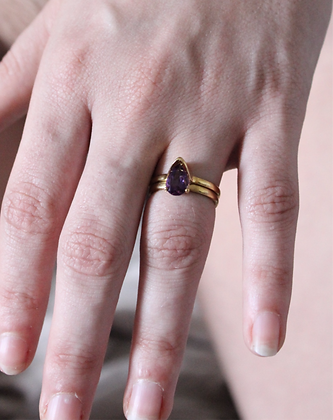 Gold vermeil Clitorati ring, set with amethyst, Size N1/2