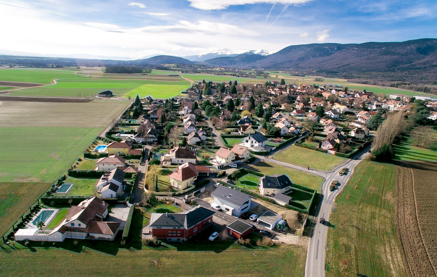 Cheserex Village
