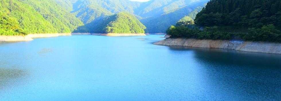 Lake Okutama_03.jpg