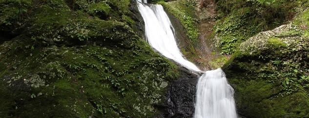 三ツ釜の滝(奥多摩観光観光)出典.jpg
