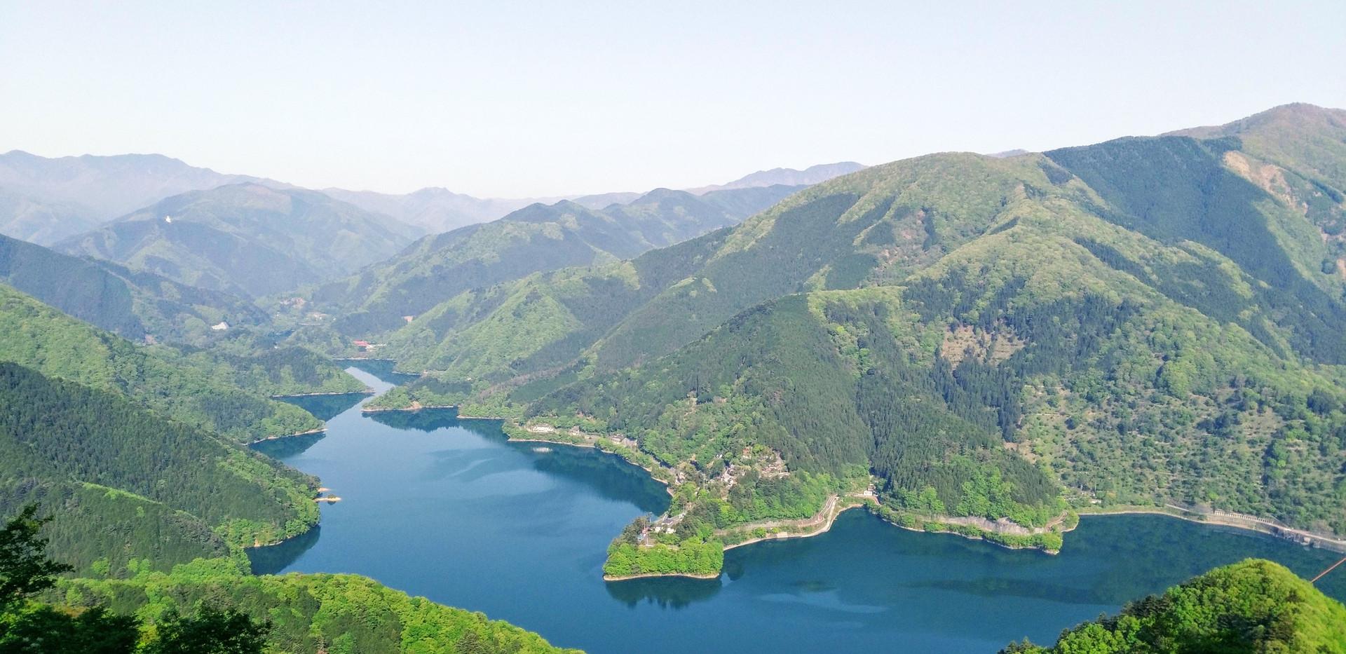 Lake Okutama_04.jpg