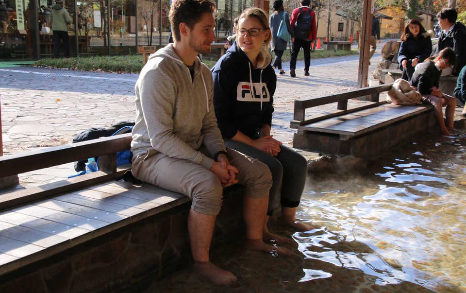 Foot Bathing_01.JPG
