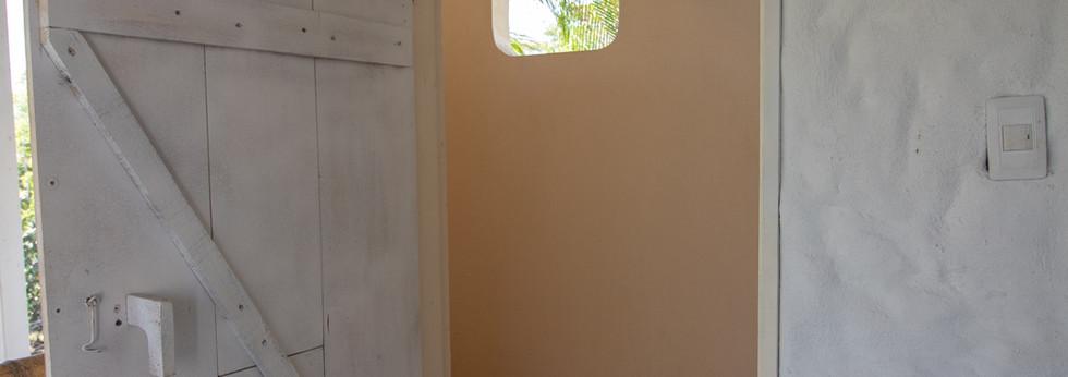 Outside shower, Room 3.2