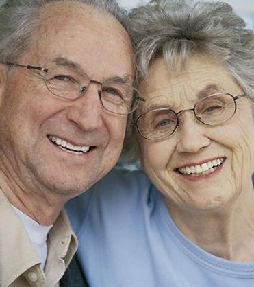 People-With-Dentures.jpg