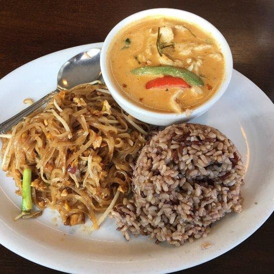 Wanida Thai - Curry & Pad Thai Combo - 2020 Cannabis Solutions' 10 Best Takeout Spots in Bellingham