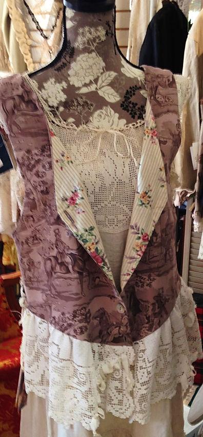 toile antique lace vest