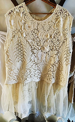 roese lace top