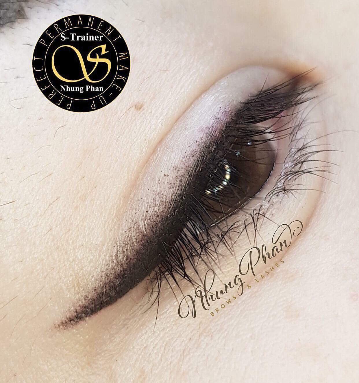Eyeliner ( BOTTOM)
