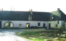 Fortified 14th century farm house