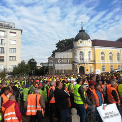 BULGARIA - Strike of road construction workers!